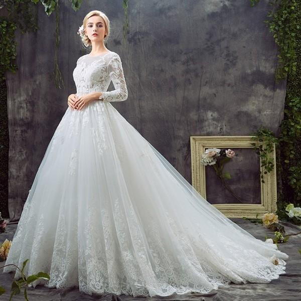 Muslim-wedding-dresses-61 84+ Coolest Wedding Dresses for Muslim Brides in 2020