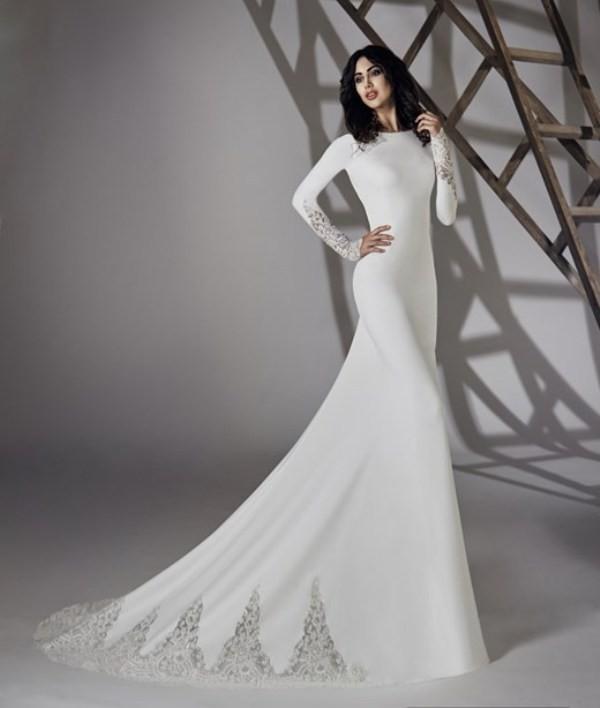 Muslim-wedding-dresses-65 84+ Coolest Wedding Dresses for Muslim Brides in 2020