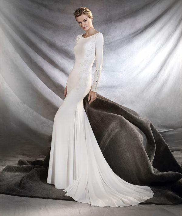 Muslim-wedding-dresses-73 84+ Coolest Wedding Dresses for Muslim Brides in 2020