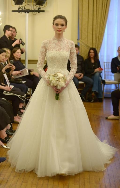 Muslim-wedding-dresses-8 84+ Coolest Wedding Dresses for Muslim Brides in 2020