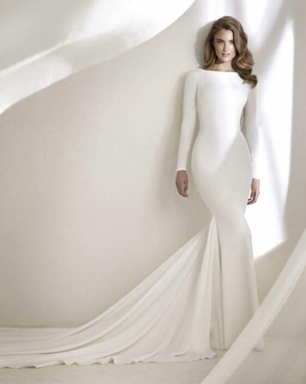 Muslim-wedding-dresses-90 84+ Coolest Wedding Dresses for Muslim Brides in 2020