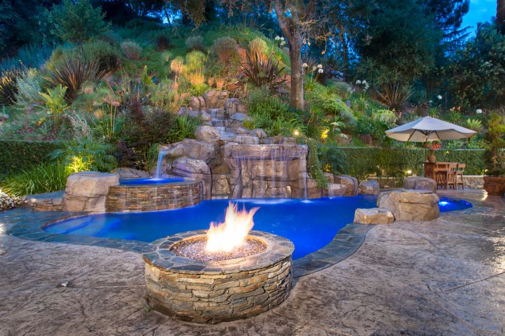 Outdoor_lighting_5 Delightful and Affordable Fire pit Decoration Designs in 2017