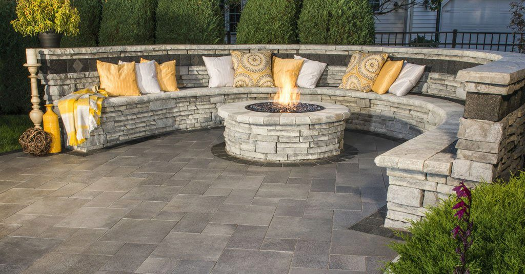 Rivercrest-Fire-Pit-Seating-Wall.c371ce18f9a8e11baeaa7ba4604ccb42 Delightful and Affordable Fire pit Decoration Designs in 2017