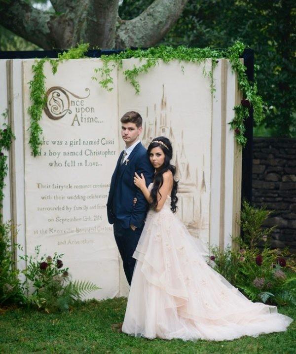 Unique-wedding-backdrop-ideas-9 8 Most Unique Wedding Party Ideas in 2017