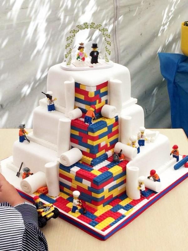 Unique-wedding-cake-ideas-11 8 Most Unique Wedding Party Ideas in 2020