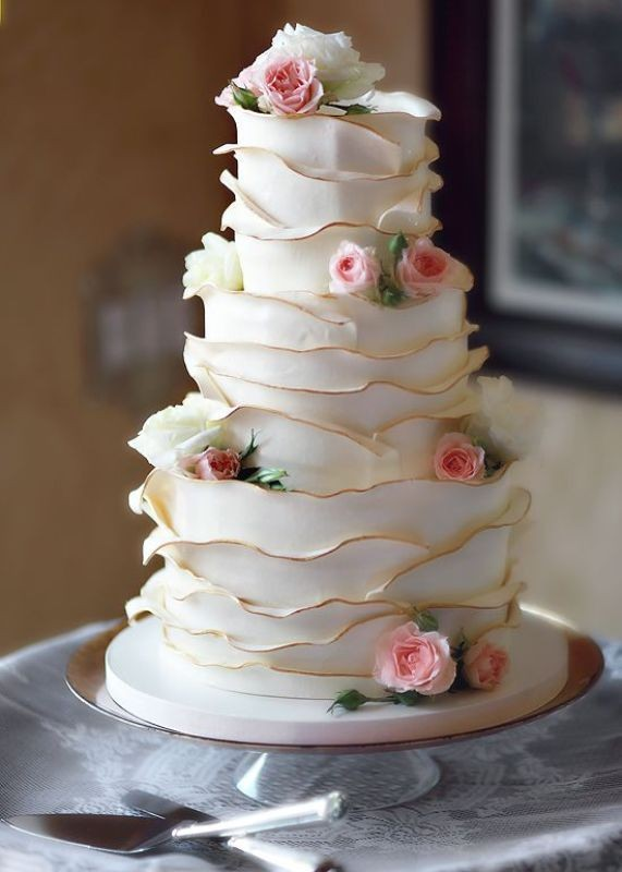 Unique-wedding-cake-ideas-6 8 Most Unique Wedding Party Ideas in 2020