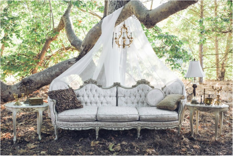 antique-pieces-8 8 Most Unique Wedding Party Ideas in 2020