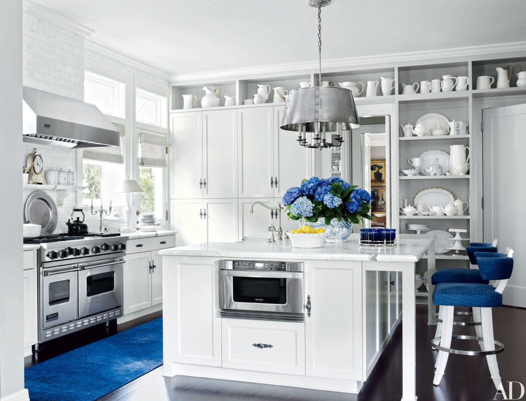 blue-and-white-08 6 Affordable Organizing and Decoration Ideas for your Kitchen