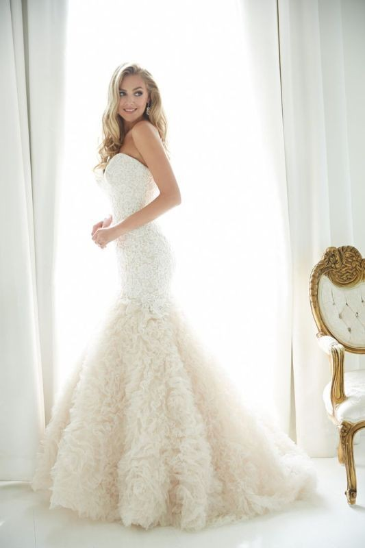 colored-wedding-dresses-2017-65 75+ Most Breathtaking Colored Wedding Dresses in 2020