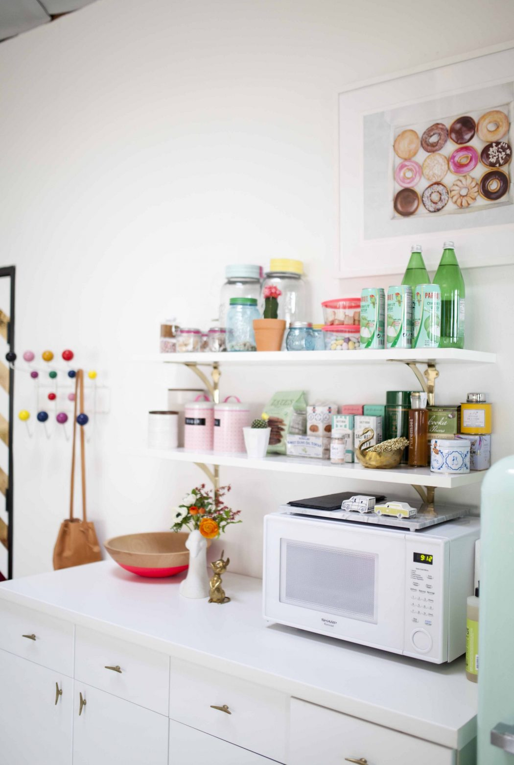 e837d3e84edc5b411f4d84755d9aae3b699d12a5 6 Affordable Organizing and Decoration Ideas for your Kitchen