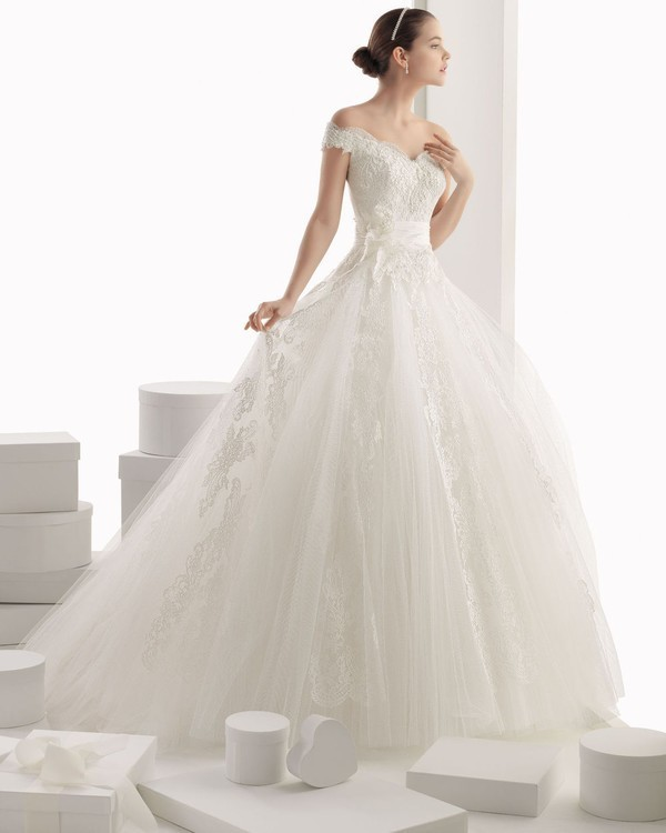 flattering-wedding-dresses-2017-128 89+ Most Flattering Wedding Dresses Brides-to-be Need to See