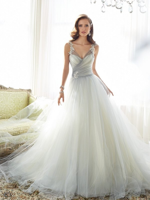 flattering-wedding-dresses-2017-150 89+ Most Flattering Wedding Dresses Brides-to-be Need to See