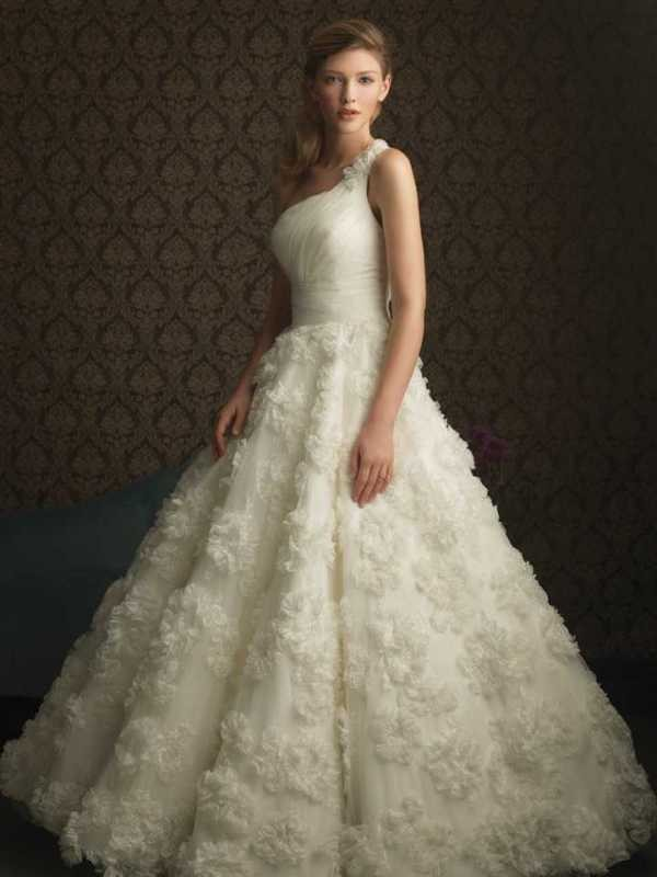 flattering-wedding-dresses-2017-155 89+ Most Flattering Wedding Dresses Brides-to-be Need to See