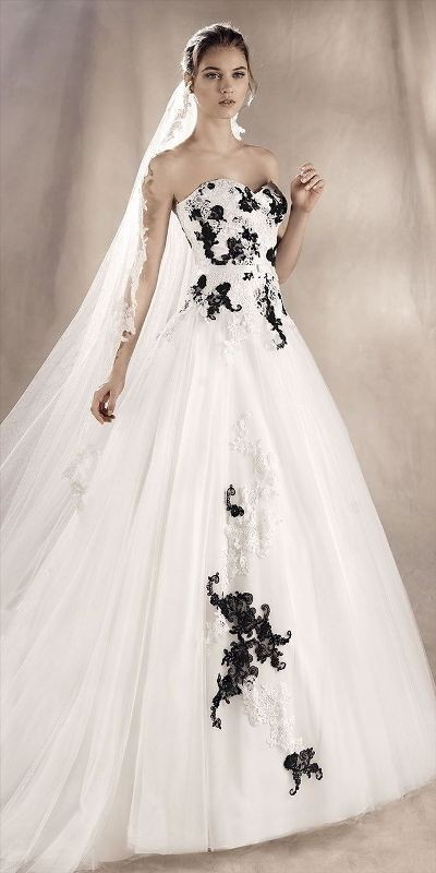 flattering-wedding-dresses-2017-18 89+ Most Flattering Wedding Dresses Brides-to-be Need to See