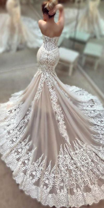 flattering-wedding-dresses-2017-19 89+ Most Flattering Wedding Dresses Brides-to-be Need to See
