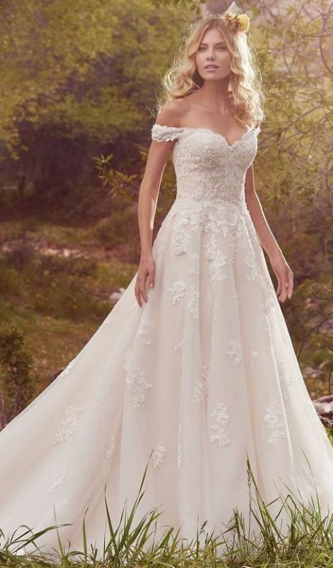 flattering-wedding-dresses-2017-34 89+ Most Flattering Wedding Dresses Brides-to-be Need to See
