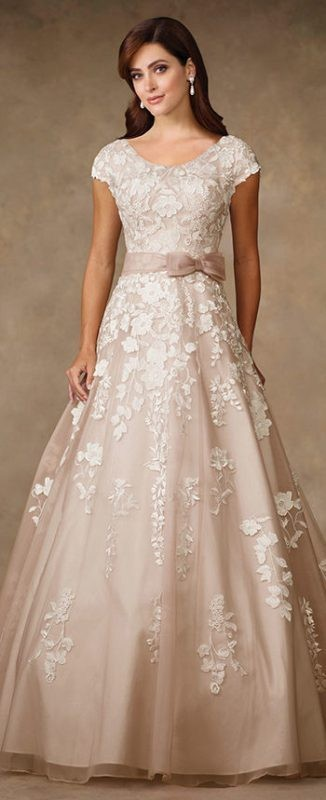 flattering-wedding-dresses-2017-4 89+ Most Flattering Wedding Dresses Brides-to-be Need to See