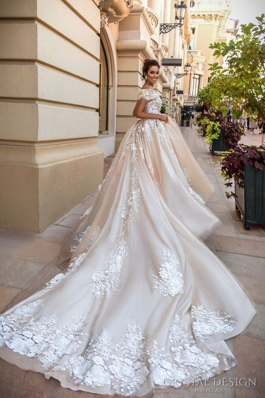 flattering-wedding-dresses-2017-58 89+ Most Flattering Wedding Dresses Brides-to-be Need to See