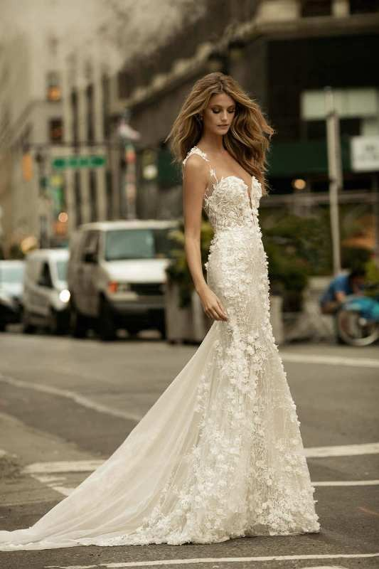 flattering-wedding-dresses-2017-77 89+ Most Flattering Wedding Dresses Brides-to-be Need to See