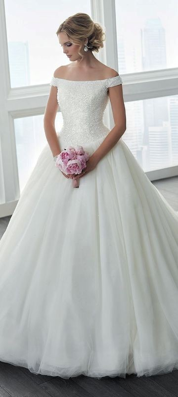 flattering-wedding-dresses-2017-8 89+ Most Flattering Wedding Dresses Brides-to-be Need to See