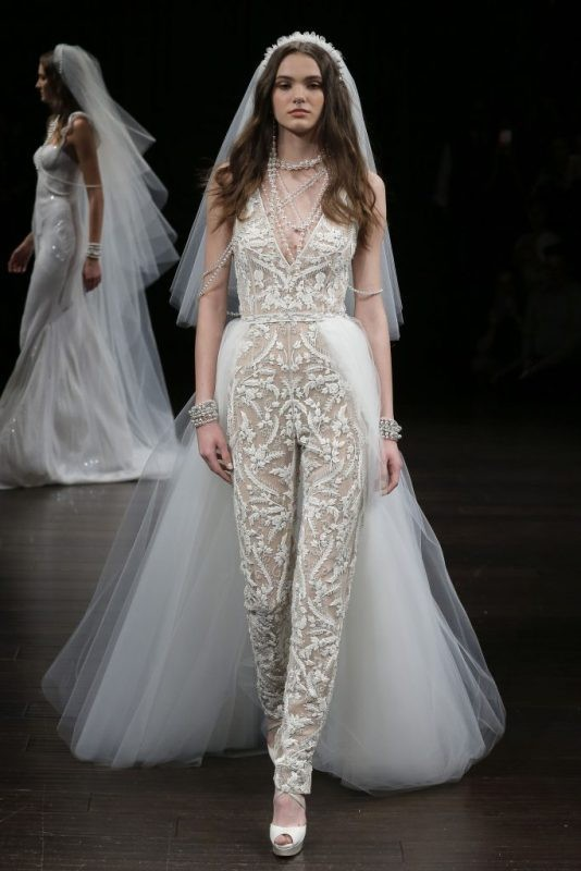 flattering-wedding-dresses-2017-80 89+ Most Flattering Wedding Dresses Brides-to-be Need to See