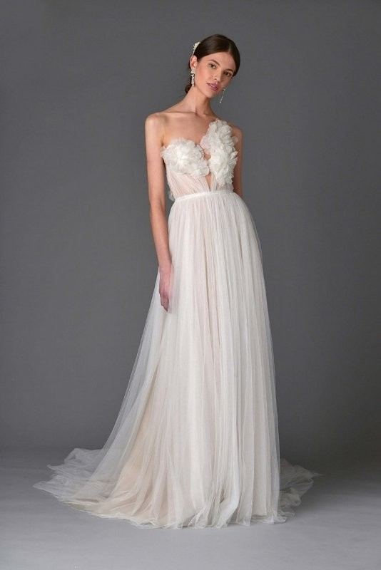 flattering-wedding-dresses-2017-81 89+ Most Flattering Wedding Dresses Brides-to-be Need to See