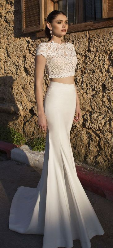 flattering-wedding-dresses-2017-9 89+ Most Flattering Wedding Dresses Brides-to-be Need to See