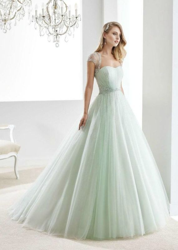 flattering-wedding-dresses-2017-93 89+ Most Flattering Wedding Dresses Brides-to-be Need to See