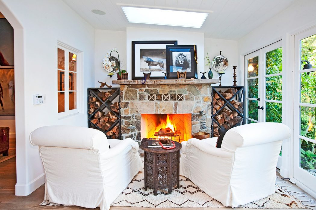 gerard_butler_ranch_malibu_10 8 Delightful and Affordable Fire pit Decoration Designs in 2020