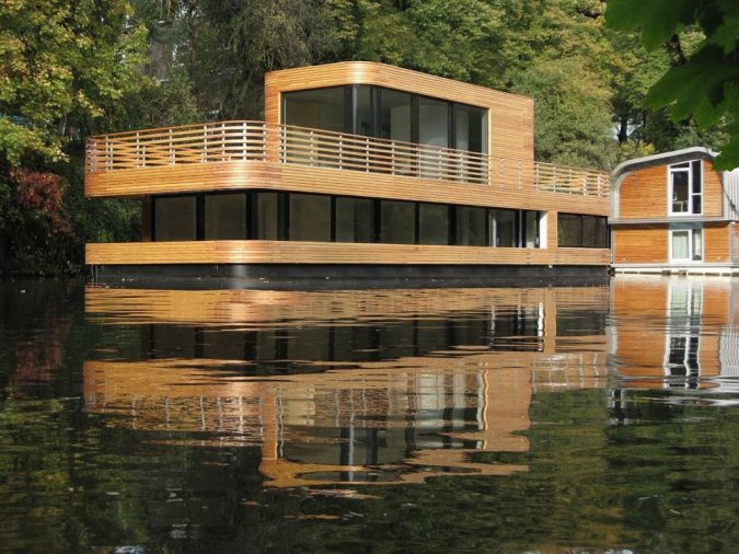 houseboat-on-the-eilbekkanal-675x506 17 Latest Futuristic Architecture Designs in 2020