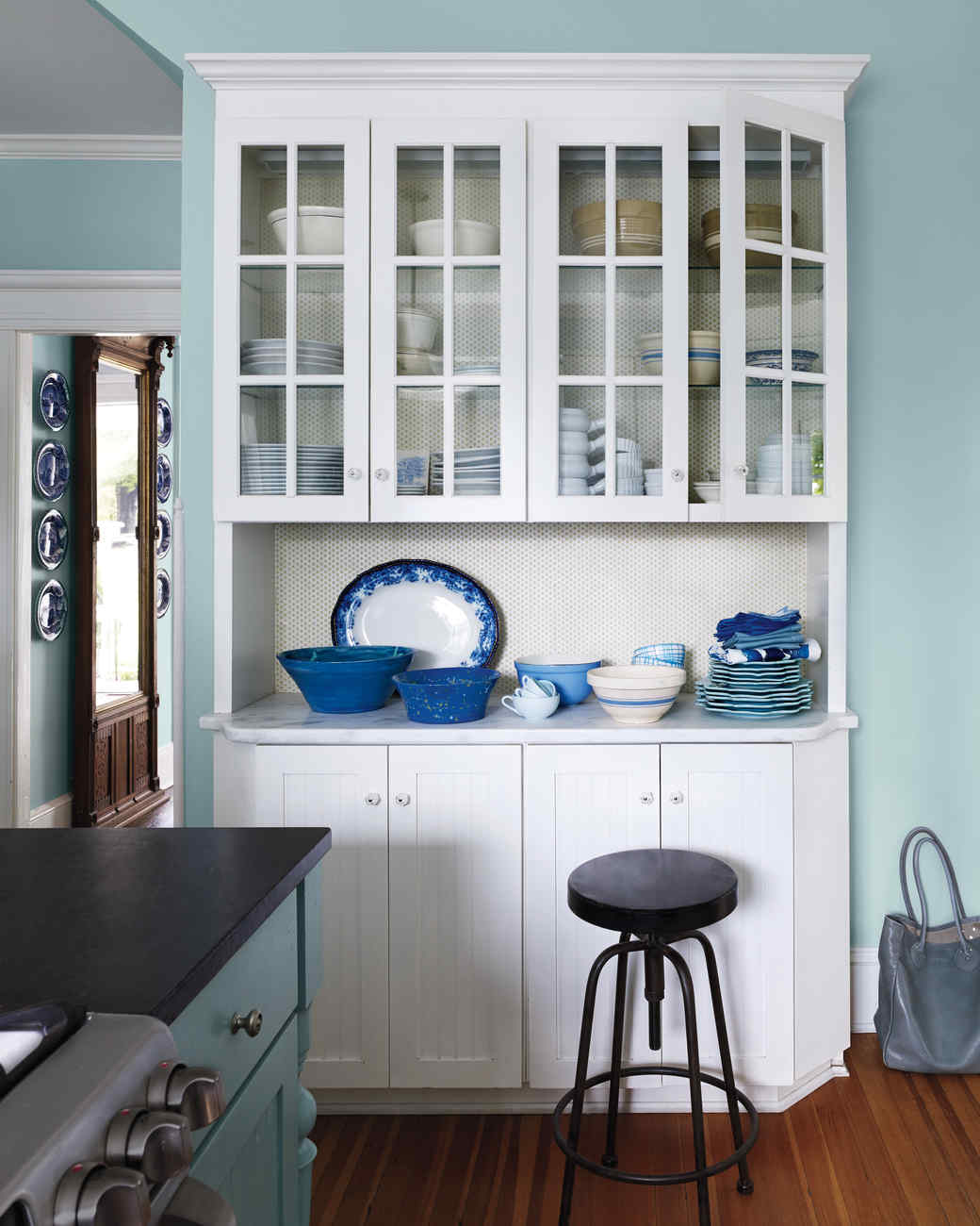 kitchen0199189-md110699_vert 6 Affordable Organizing and Decoration Ideas for your Kitchen