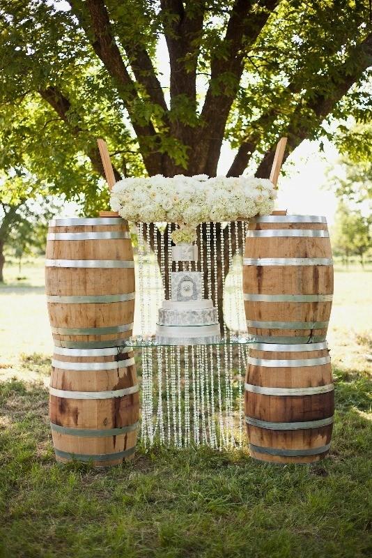 unique-wedding-tables-5 8 Most Unique Wedding Party Ideas in 2017