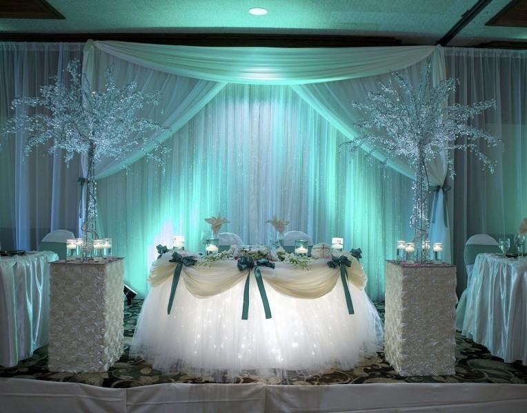 unique-wedding-tables-7 8 Most Unique Wedding Party Ideas in 2017