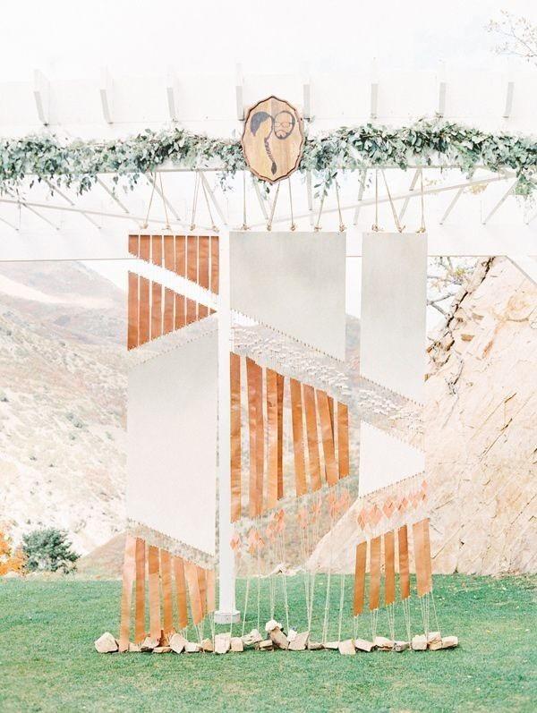 wedding-backdrops-2017-116 83+ Dreamy Unique Wedding Backdrop Ideas in 2020