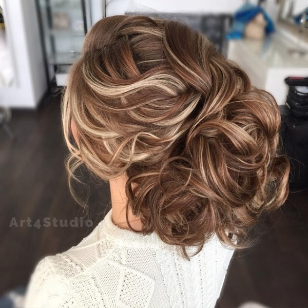 wedding-hairstyles-2017-112 81+ Beautiful Wedding Hairstyles for Elegant Brides in 2020