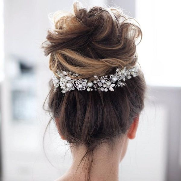 wedding-hairstyles-2017-114 81+ Beautiful Wedding Hairstyles for Elegant Brides in 2020