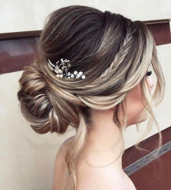 wedding-hairstyles-2017-128 81+ Beautiful Wedding Hairstyles for Elegant Brides in 2020