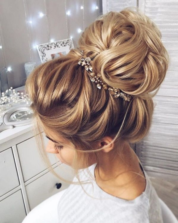 wedding-hairstyles-2017-143 81+ Beautiful Wedding Hairstyles for Elegant Brides in 2020