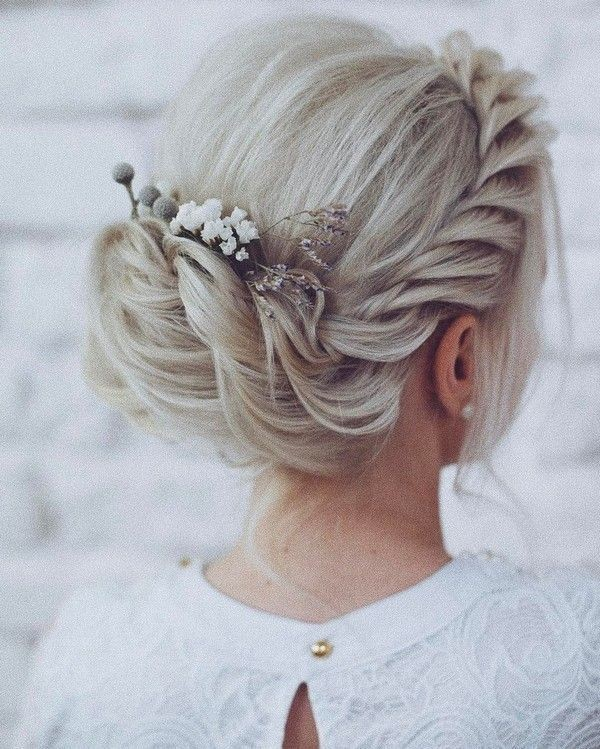 wedding-hairstyles-2017-144 81+ Beautiful Wedding Hairstyles for Elegant Brides in 2020