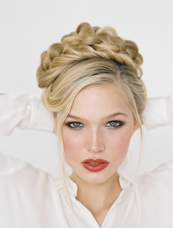 wedding-hairstyles-2017-189 81+ Beautiful Wedding Hairstyles for Elegant Brides in 2018