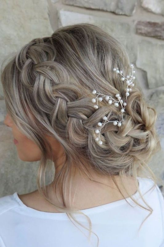 wedding-hairstyles-2017-24 81+ Beautiful Wedding Hairstyles for Elegant Brides in 2020
