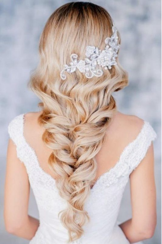 wedding-hairstyles-2017-33 81+ Beautiful Wedding Hairstyles for Elegant Brides in 2020