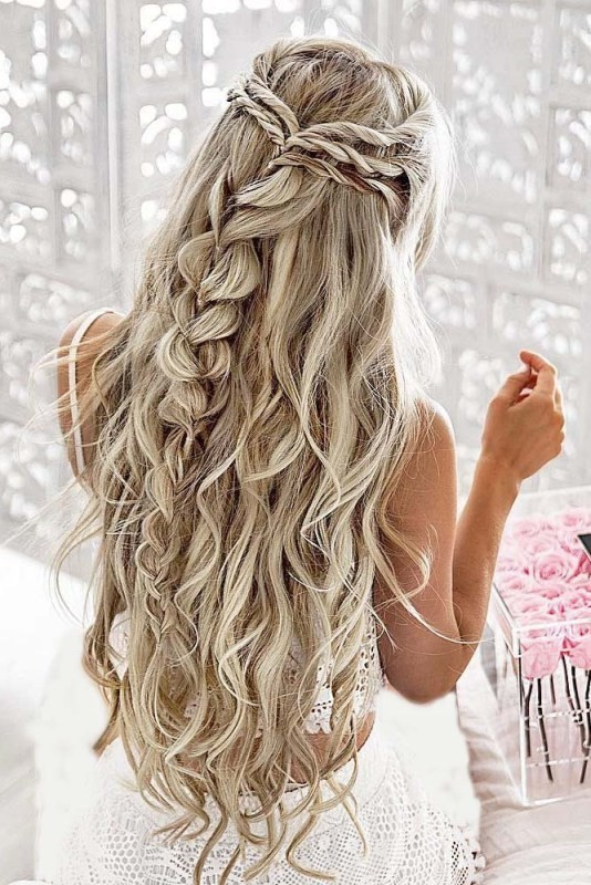 wedding-hairstyles-2017-55 81+ Beautiful Wedding Hairstyles for Elegant Brides in 2020