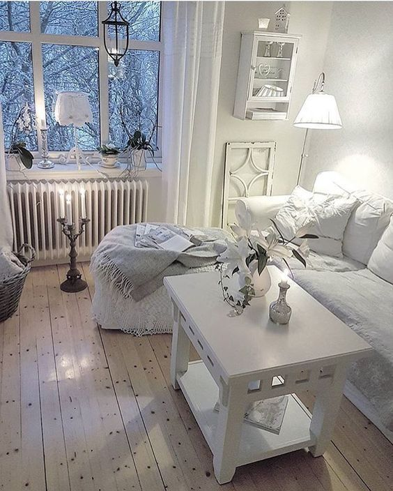 50-Shades-of-White-furniture-shabby-chic-interior Rags and Riches: How to Upcycle Furniture For a Shabby Chic Aesthetic