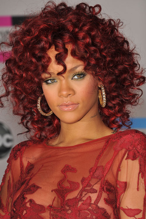 Burgundy-curls-rihanna-hair 16 Celebrity Hottest Hair Trends for Summer 2017
