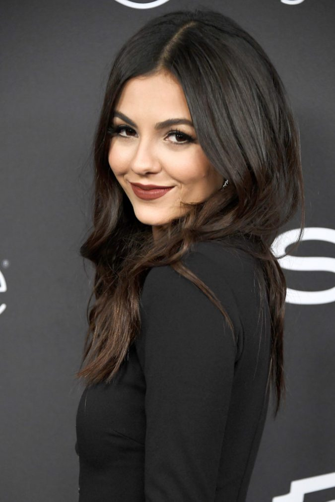Dark-brunette-victoria-justice-warner-bros-pictures-and-instyle-host-18th-annual-postgolden-globes-party-1817-1-675x1012 16 Celebrity Hottest Hair Trends for Summer 2017