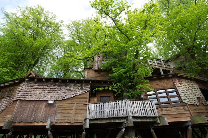 Treehouses-675x450 TOP 10 Alternatives To Hotel Accommodation in Europe