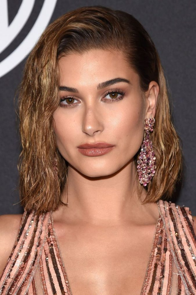 Wet-bob-hairstyle-hailey-baldwin-675x1013 16 Celebrity Hottest Hair Trends for Summer 2020