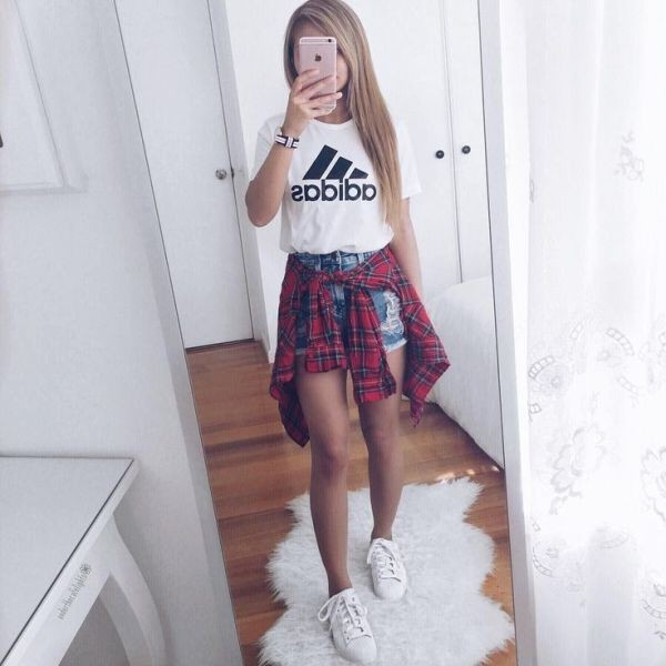 catchy-tees-for-school-20 10+ Cool Back-to-School Outfit Ideas for 2020