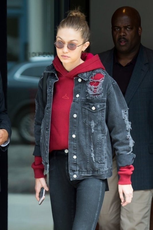 denim-jackets-for-school-7 10+ Cool Back-to-School Outfit Ideas for 2020